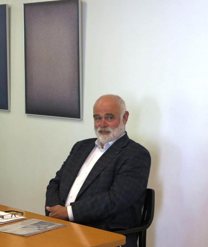 Dr. Voß