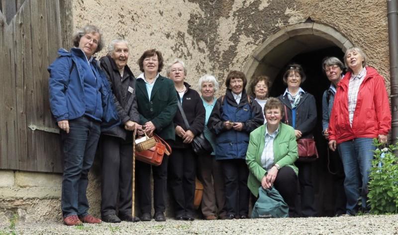 Einige Frauen der Hegge-Gemeinschaft und des Hegge-Rings (zu Besuch im Stift Fischbeck Juni 2014)