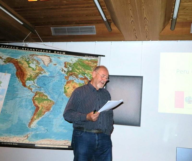 A. W. Kaemper, Detmold erläutert die Geographie Perus