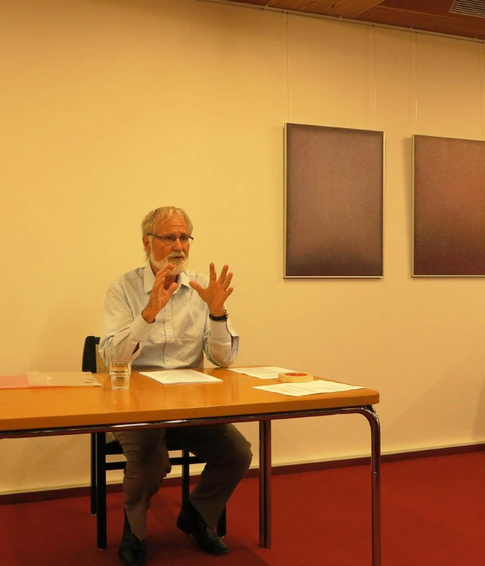 Peter Hantke schildert die politische und soziale Entwicklung des Landes