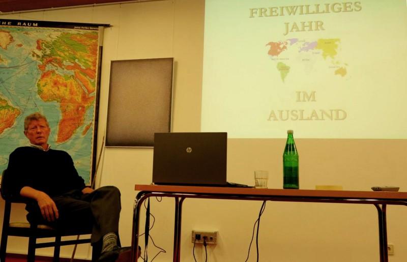 Kurt Wohnhas schildert die Möglichkeiten eines Freiwiligen Sozialen Jahres im Ausland