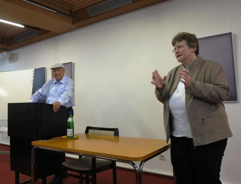 Prof. Hainz, Dorothee Mann,Die Hegge