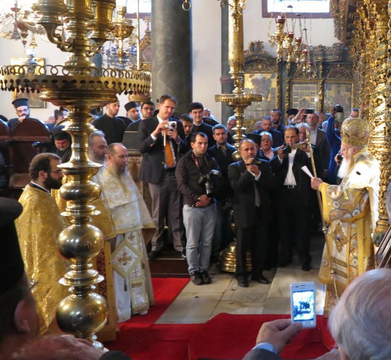 Patriarch Bartholomeus und Weihekandidat