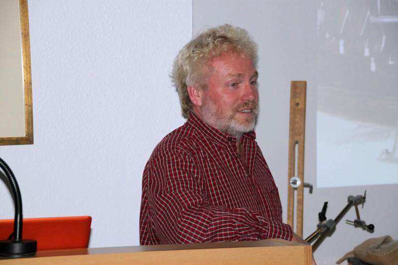 Frithjof Meussling bei einem seiner Vorträge