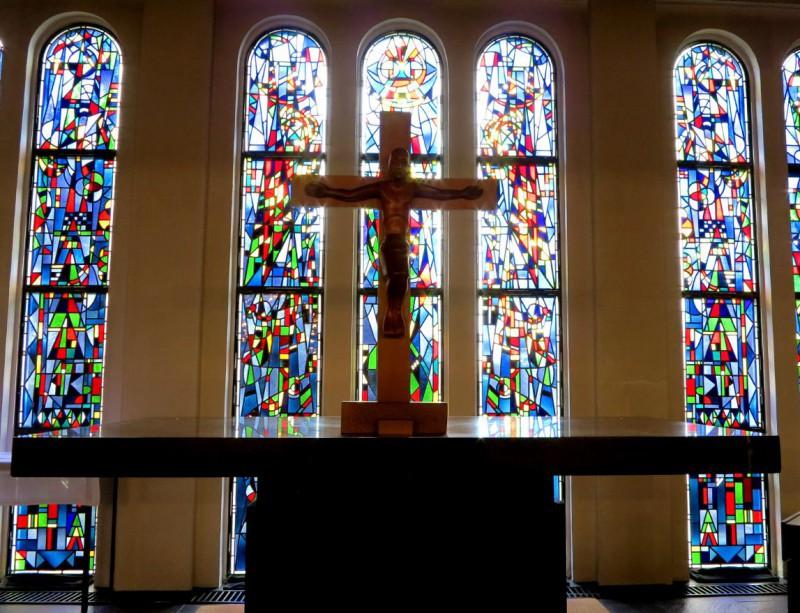 Karfreitag: Der leergeräumte Altar in der Kapelle