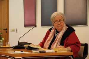 Dr. Ursula Heinrichs