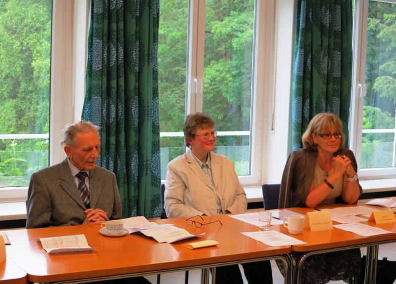 Prof. Dr. Reinhard Kösters, Oberin Dorothee Mann, Frau Marietta Vollmer-Maisohle