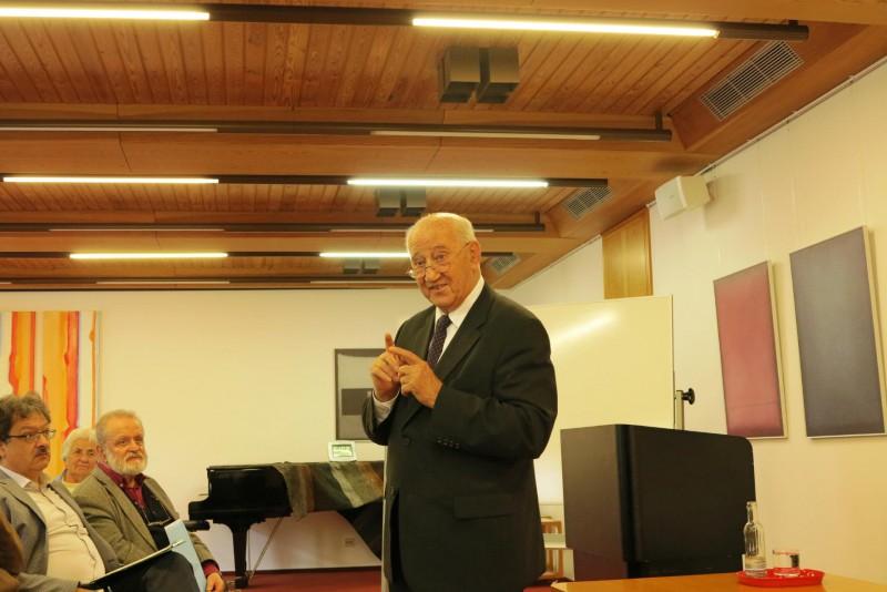 Prof. Dr. Josef Hainz
