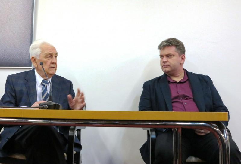 Prof. Schneider und Dipl. theol. Damian Lazarek