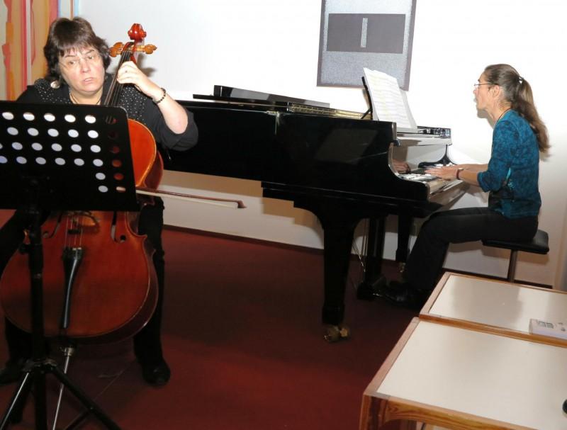 Musikalische Begleitung des Festakts durch Monika Kasper, Cello und Regina Wenzel, Klavier
