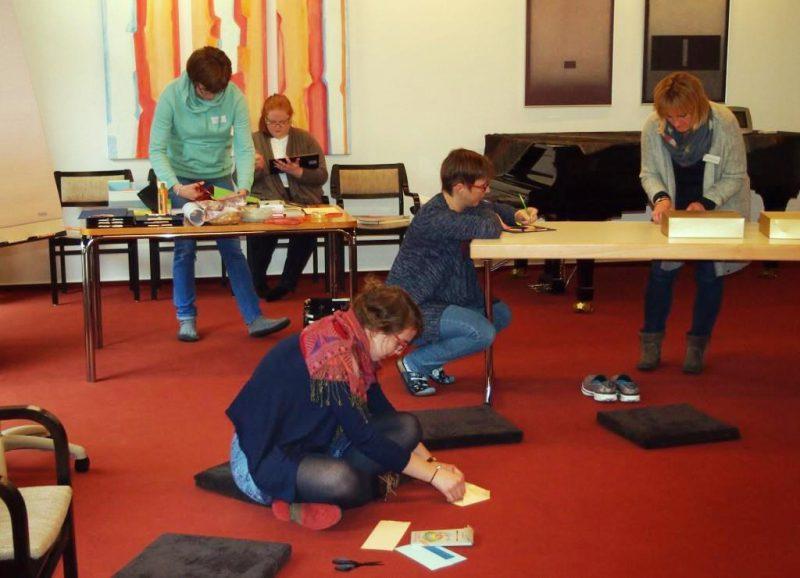 Teilnehmerinnen in der Kreativphase