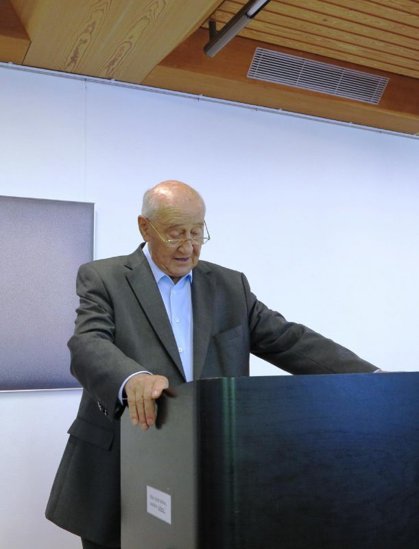 Prof. Hainz