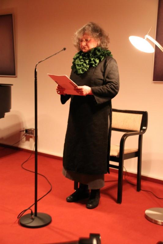 Gitta Koch rezitiert Koranverse
