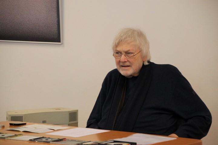 Prof. Heindrichs