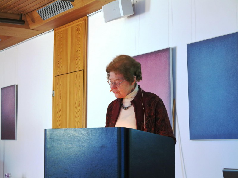 Frau Dr. Anna Ulrich
