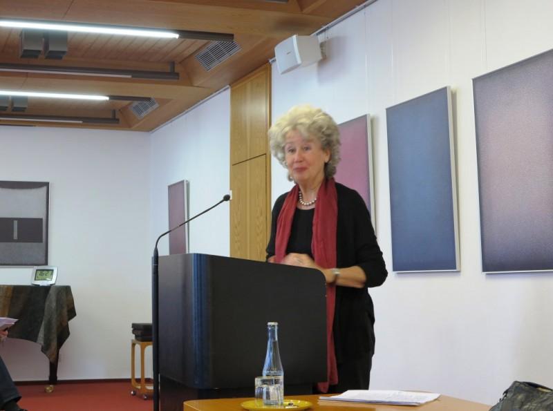 Frau Prof. Dr. Angelika Neuwirth