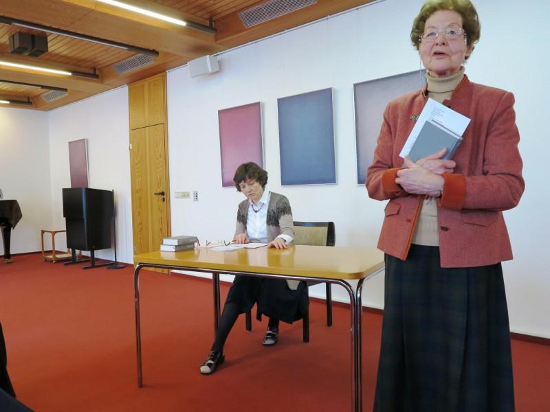 Vorbereitung der Liturgien mit Dr. Anna Ulrich und Marianne Stommel
