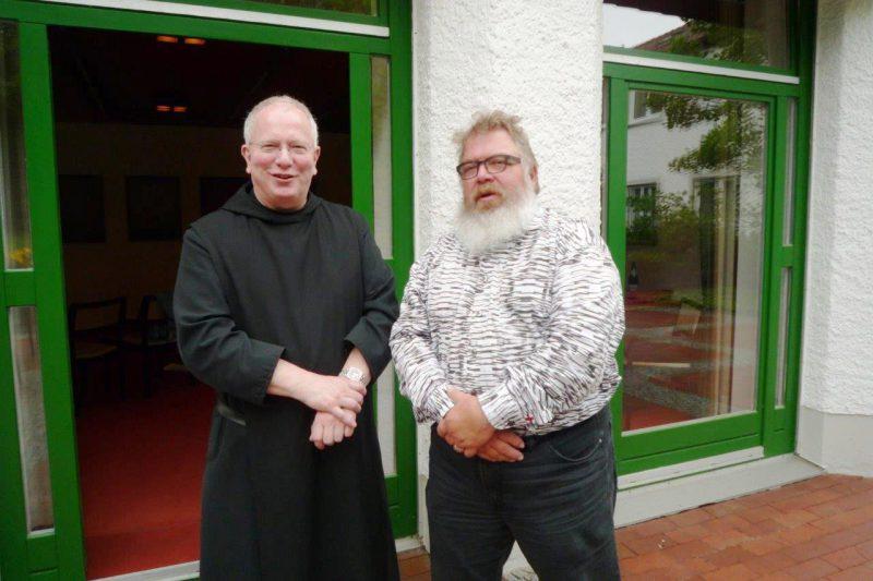 Pater Daniel und Reinhard Feldmann