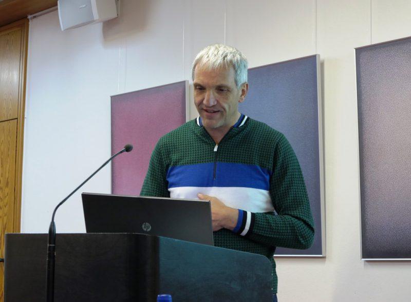 Prof. Dr. Dirk Behringer