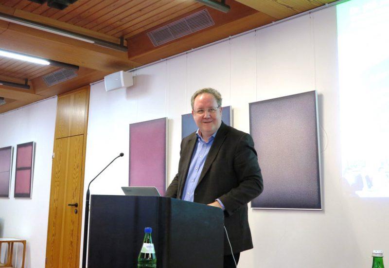Dr. phil. Arnd May