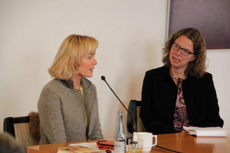 Ursula Buchfellner und Dr. Anne Kirsch