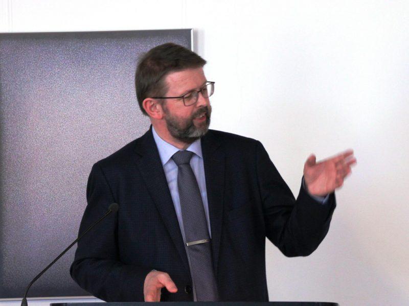 PD Dr. Burkhard Neumann