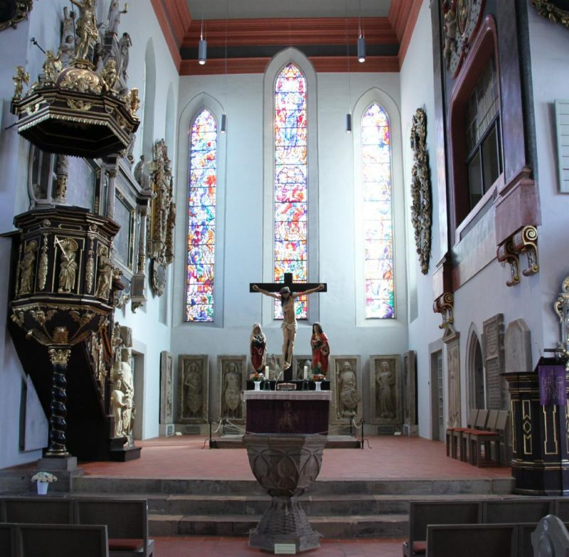 Der Chorraum der Georgenkirche
