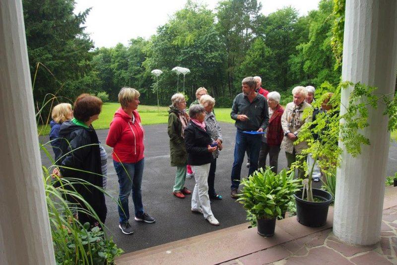 Refernt Ulrich Balkenhol, Peckelsheim mit Teilnehmern