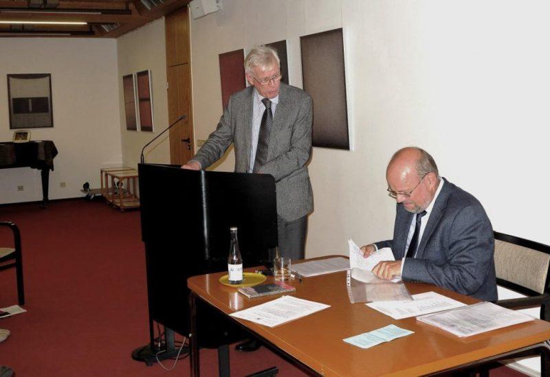 Dr. N. Ernst und Prof. G. Langenhorst