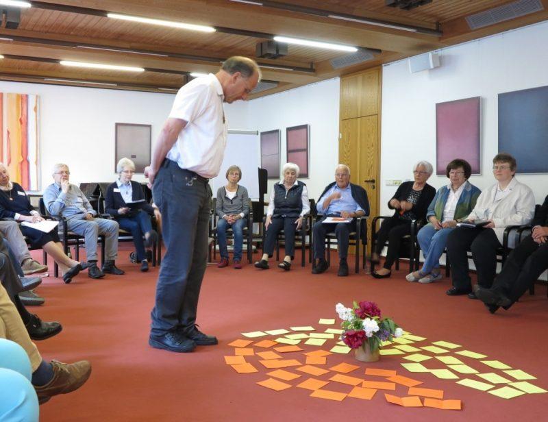 Andreas Knapp blickt auf die Teilnehmerbeiträge