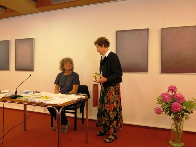 Frau Dr. Anna Ulrich bedankt sich bei Sebastian Heindrichs für seinen Beitrag