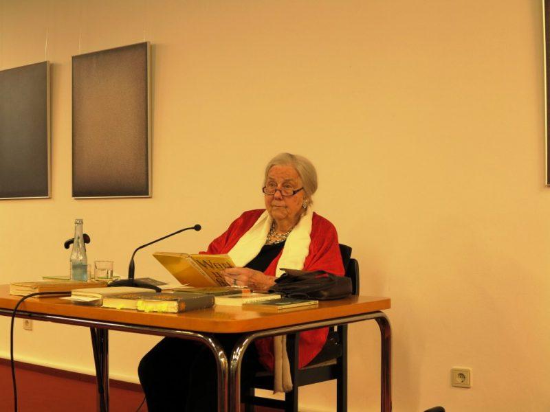 Frau Dr.Ursula Heindrichs