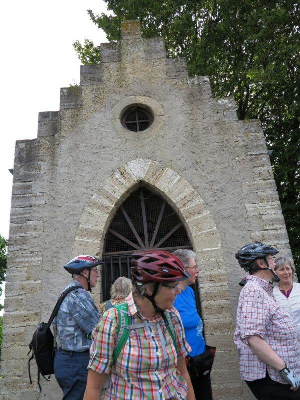 Zwischenstopp an der Donatuskapelle