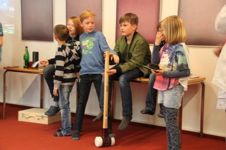Kinder bei ihrer Präsentation