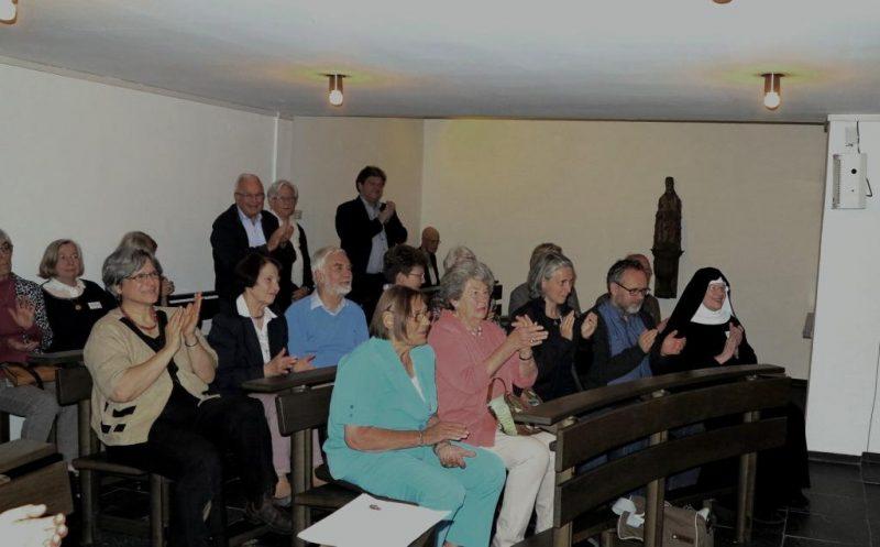 Begeisterte Zuhörer in der Hegge-Kapelle
