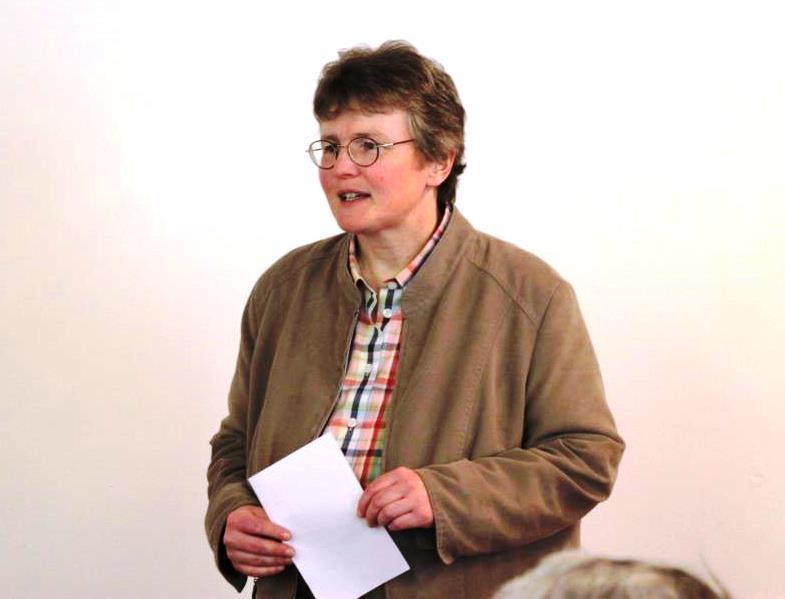 Tagungsleiterin Dorothee Mann bei der Begrüßung