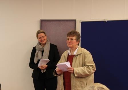 Begrüßung der Teilnehmer und der Referentin Nicole Barth  durch Lic. theol. Dorothee Mann