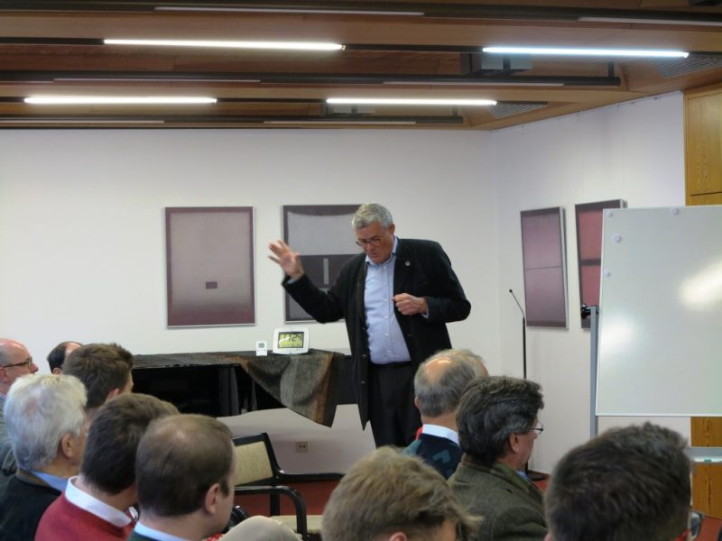 Cristof Reiser bei seinem Vortrag