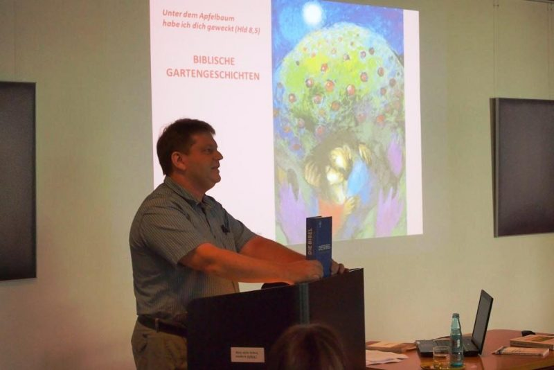 Biblische Gartengeschichten mit Damian Lazarek, Die Hegge
