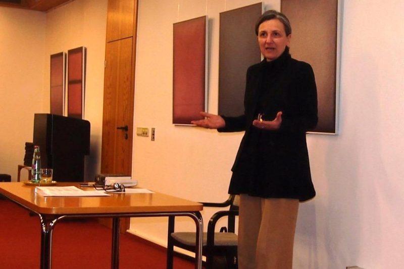 Frauen im Islam: Ayse Ergin, Warburg