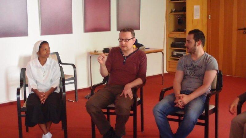 Dieter Bolte erläutert die nächste Übung
