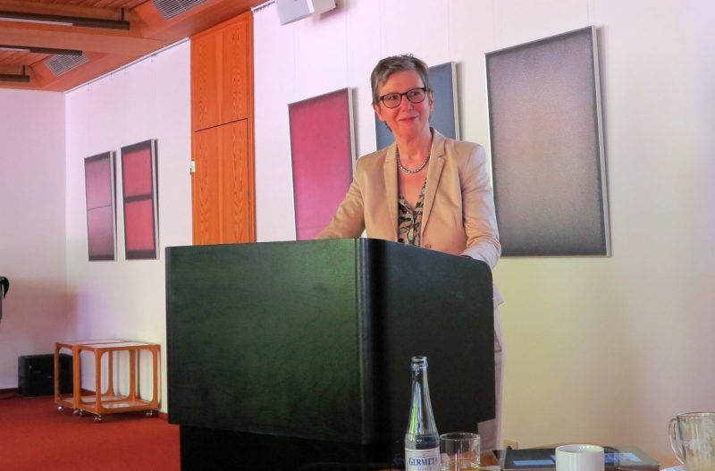 Frau Prof. Dr. Rita Burrichter