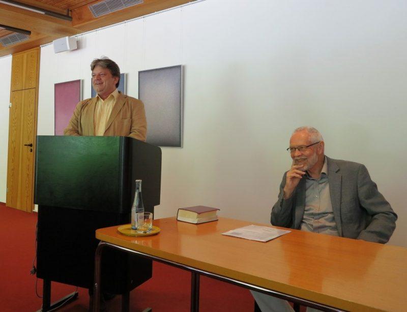 Damian Lazarek und Prof. Wengst