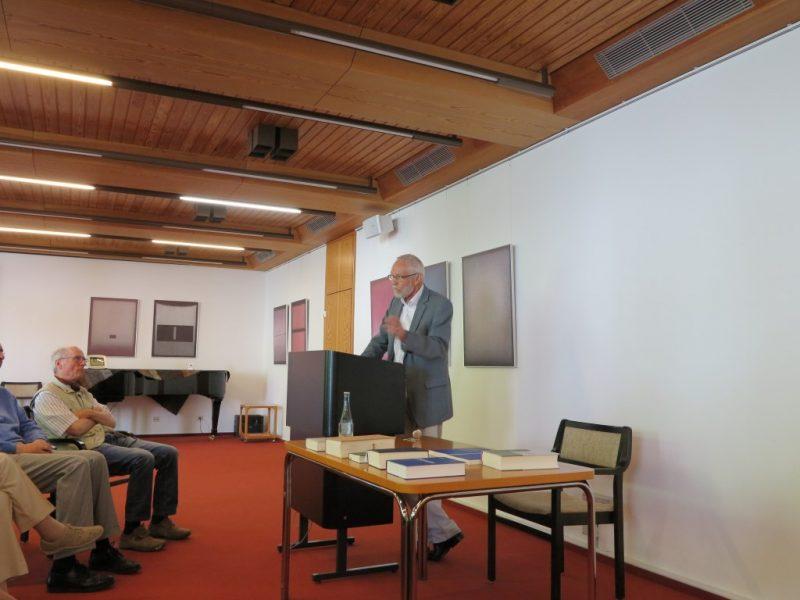 Prof. Wengst beim Vortrag