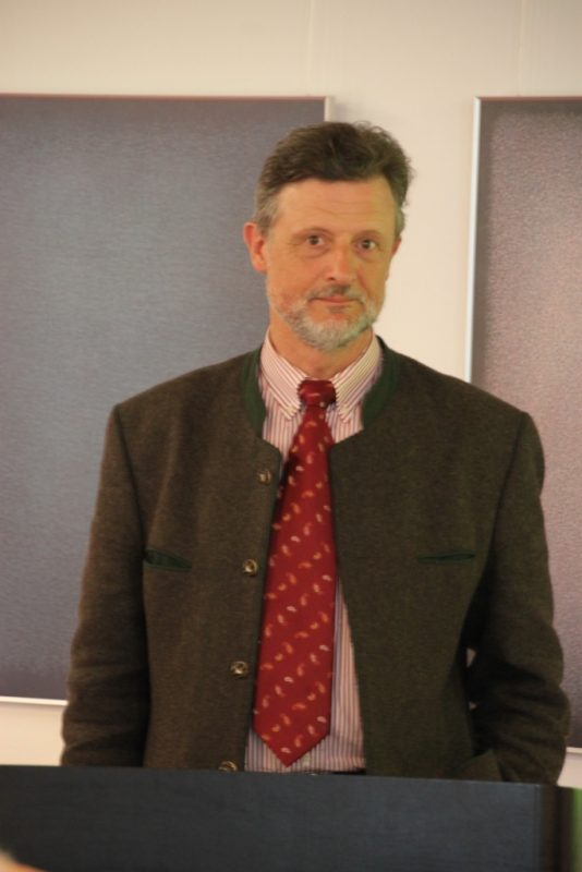 Rechtsanwalt Georg von Buttlar referiert über Jagdgenossenschaften
