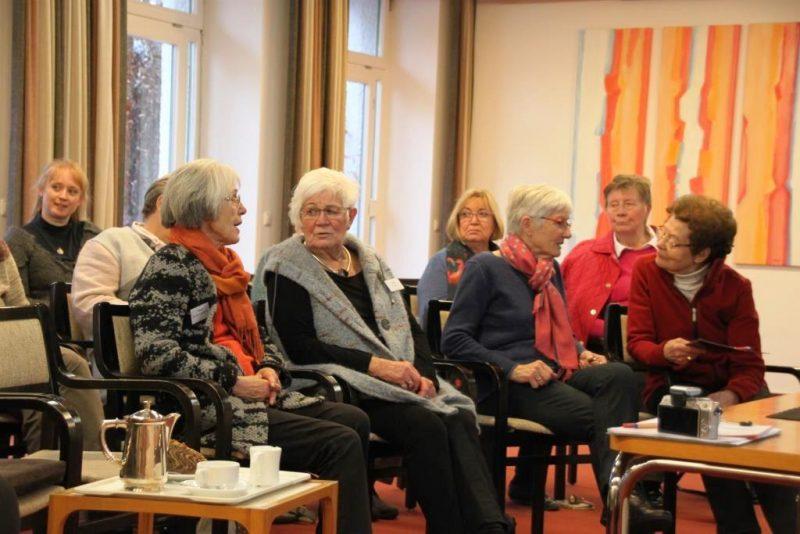 Teilnehmerinnen im Gespräch