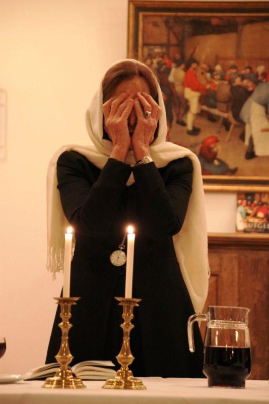 Sabbateröffnung durch die Rabbinerein Prof. Eveline Goodmann-Thau im Speiseraum