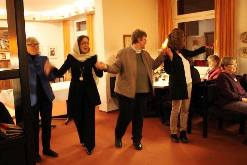 Tanz zur Eröffnung des Sabbat