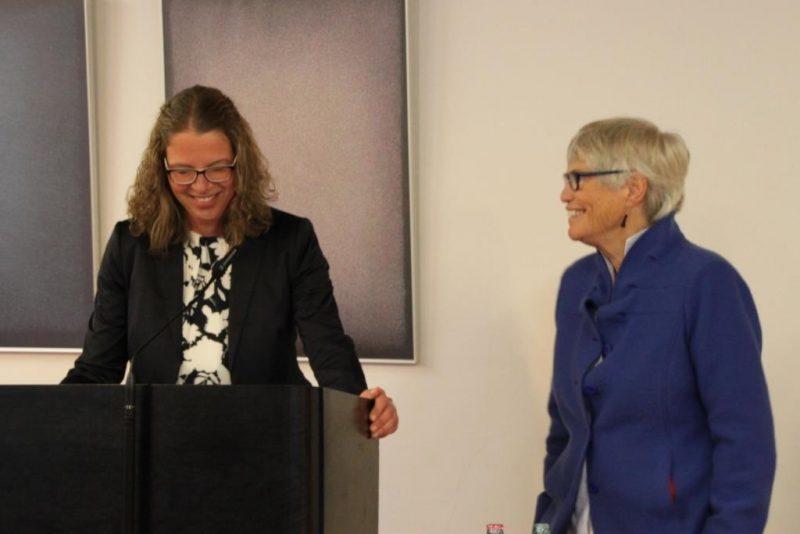Frau Dr. Kirsch führt in den Vortrag von Frau Christel Neudeck ein