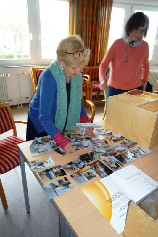 Demenzparcours: Tisch decken